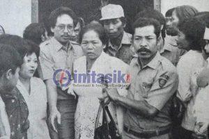 Mak Eroh Diundang ke Istana Presiden, Pulangnya Disambut Bupati